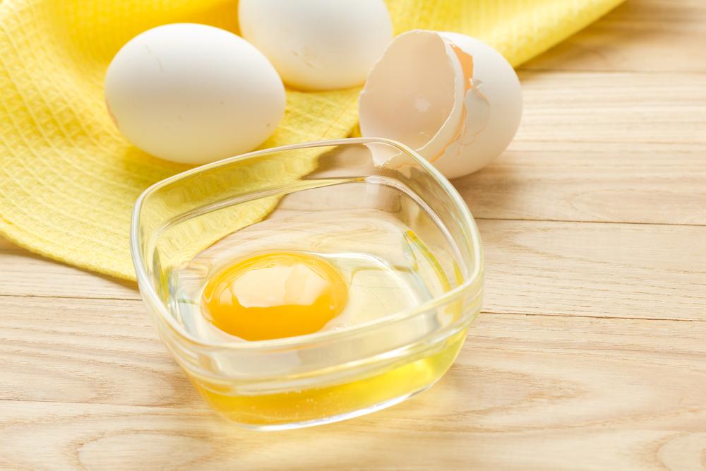 การพอกหน้าด้วยไข่ขาว