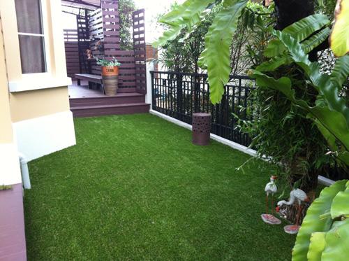 รับติดตั้งหญ้าเทียม โดย บ้านหญ้าเทียม : ถ.ร่มเกล้า กทม.