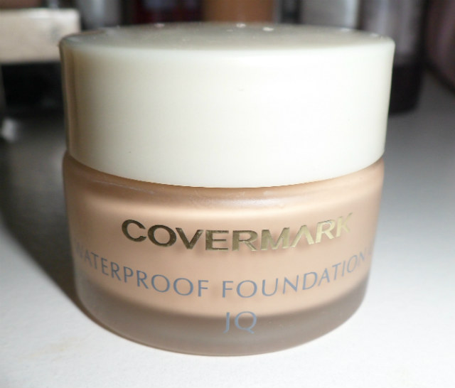ครีมรองพื้น Covermark Waterproof Foundation UV JQ